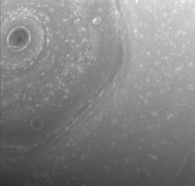 Шестиугольник на Сатурне.