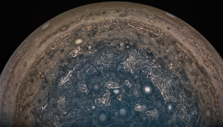 Полярная область Юпитера