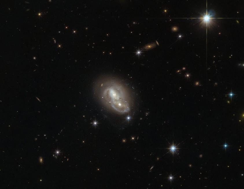 NASA сделало снимок скорого  «танца» 2-х  галактик