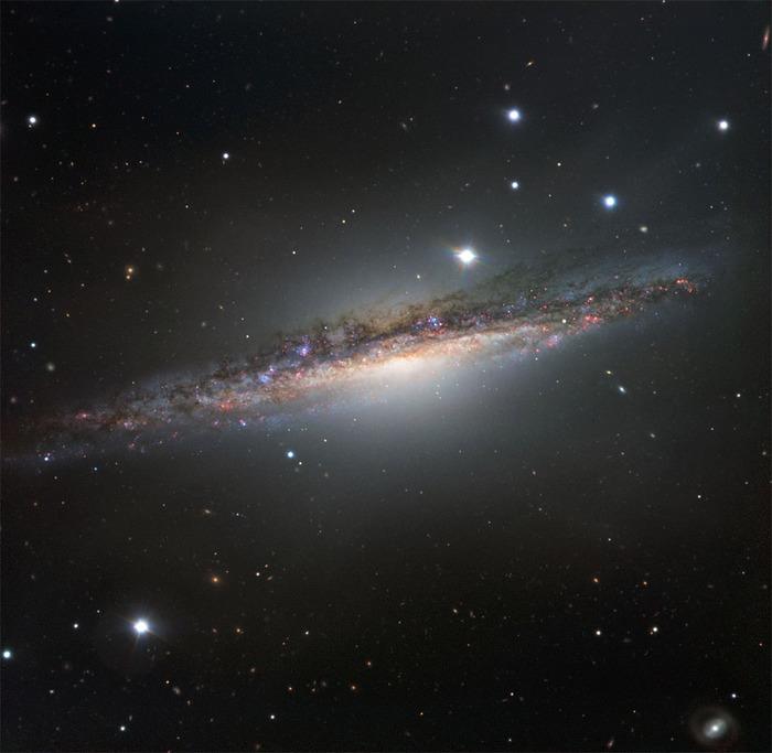 NGC 1055 в южном созвездии Кита