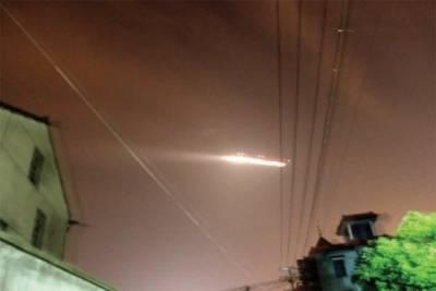 НЛО над аэропортом в Китае 1