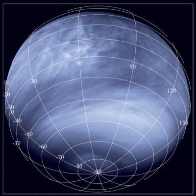 Снимок поверхности Венеры, сделанный камерой Venus Monitoring Camera в ультрафиолетовом диапазоне с расстояния около 30 000 км.