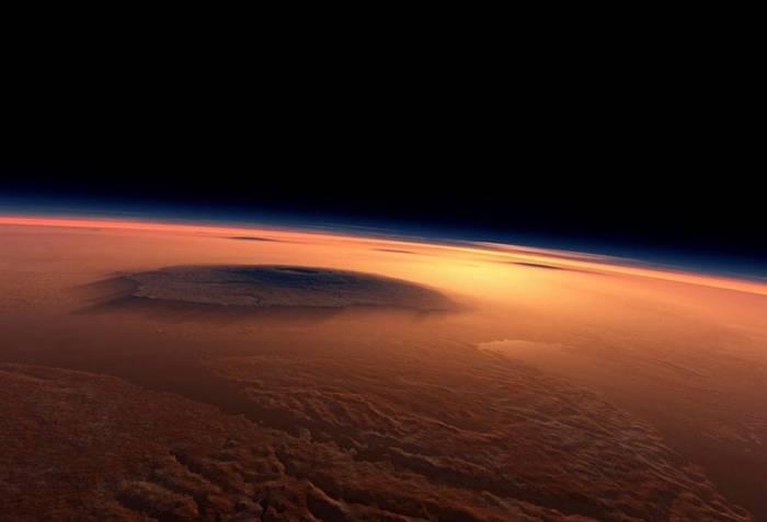 Вулкан на Марсе. Иллюстрация NASA