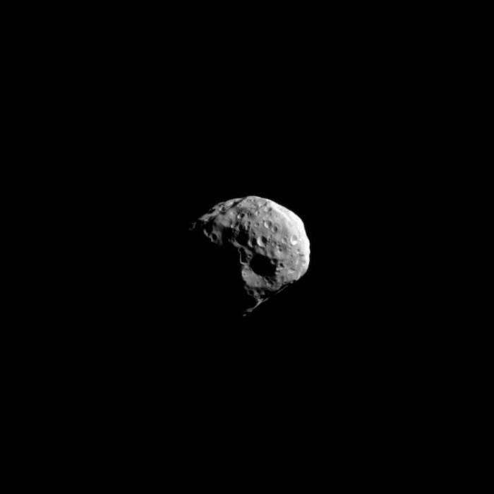 Эпиметей. Фото NASA/JPL/Space Science Institute