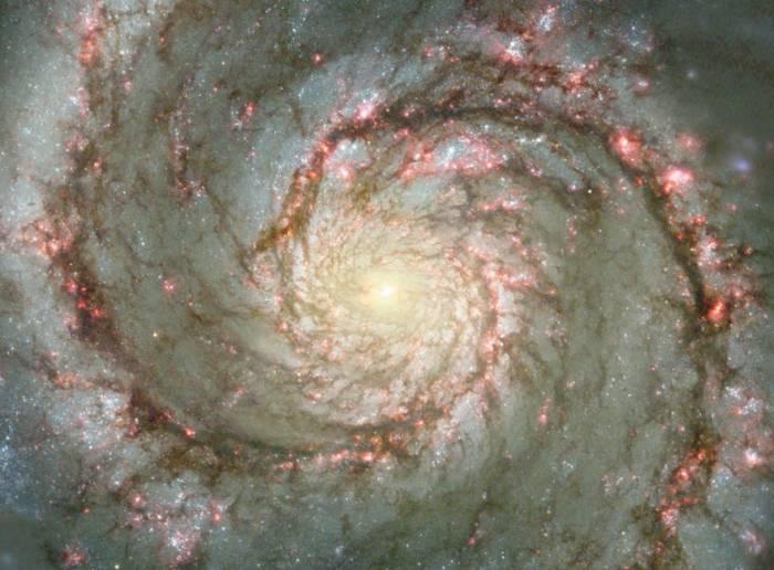 Галактика Водоворот (M51). Фото NASA/ESA and The Hubble Heritage Team STScI/AURA)