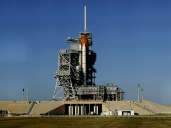 Полет Discovery к МКС отложен на месяц