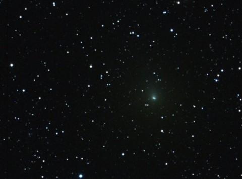 Снимок кометы Хартли 2 сделанный астрономом Билли Куком 28 сентября 2010 года. Фото с сайта www.wired.com
