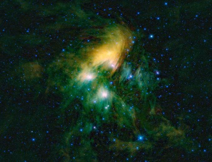 Плеяды (M45, или «Семь сестер» )