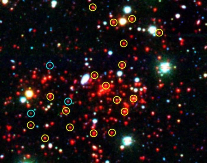 Найдено самое массивное скопление галактик в дальнем космосе
