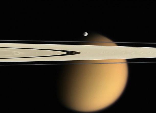 Кольца A и F, Эпиметей, Титан. Фото NASA/JPL